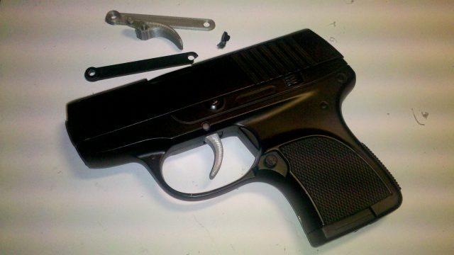 Oprava spouště dětské airsoftové pistole